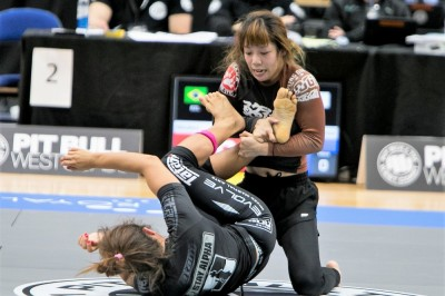 【ADCC2017】女子60キロ級 湯浅麗歌子、ニコリニと互角の激闘。その力を見せつける