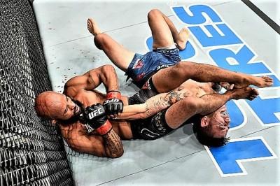 【UFC216】試合結果 DJがZ難度のフィニッシュで最多防衛記録達成。ライト級暫定Cはファーガソンに