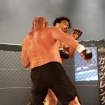 【HEAT41】詳細─02─クリンチを見せ、勝ちに拘った藤田が──勝負を賭けた右に右を合わされTKO負け