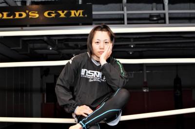 日本女子MMA界のトップどころか披露してくれたエマニュエル・シリーズ。最後の1人は、ほとんどガンを垂れている状態になってしまいました……