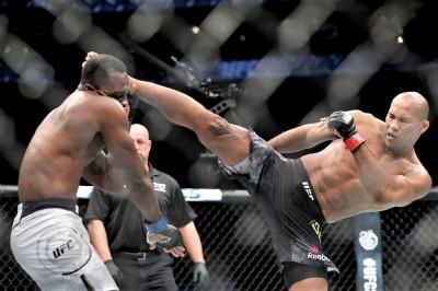 【UFC FOX27】試合結果 ジャカレが右ハイキックでブルンゾンを返り討ち ギレスピー11連勝