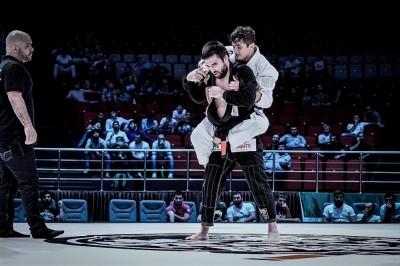 2016年8月にサーデュラエフは柔術マッチでカイオ・テハと戦っていた(C)ACBJJ