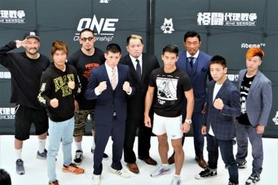 【AbemaTV】格闘代理戦争2ndシーズン、T出場選手達が調印式──も桜井マッハ速人が推薦選手達を食う