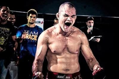 【Arzalet FGC03】代役出場でマルキーニョスと戦うイタロ・ゴンサルベルは、スピード&パワーの柔術家