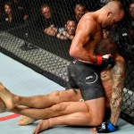 【UFC FOX30】試合結果 反則の垂直ヒジで流れが変わり、アルバレスがポイエーにKO負け
