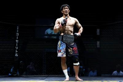 【Grachan36】フェザー級王座防衛に成功した阪本洋平が、神立大輝さんにエール=「意志の力が一番強い」