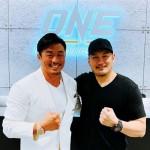 【ONE】韓国ソウル大会へ、弾みがつく?! チャトリCEOが秋山成勲との契約を発表