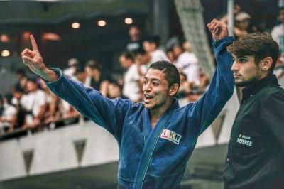 【JBJJF】西日本柔術選手権、黒帯ライト&無差別級出場、チアゴ・ハタダ─01─「生徒が幸せになれるよう」