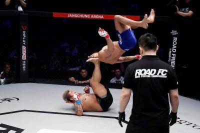 【Road FC52】試合結果 ベルナウイがT優勝。ミンウがバンタム級王者に。ペレイラの四次元MMA爆発