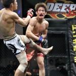 【DEEP88】テイクダウン&マウントで攻めた石司が、スタンドで攻勢に出る昇侍を右ストレートでKO