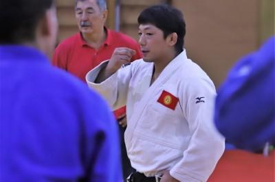 現在はキルギスで柔道ナショナルチームを指導している内柴正人