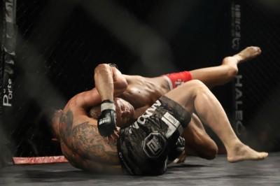 【Brave Fight18 & Grachan39】グラチャン初参戦の桜井隆多、目の負傷にも組んでしっかりと判定勝ち