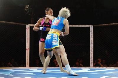 【Pancrase307】殴って倒し、組んで崩し、極めたライカが45秒でファリシアを倒す