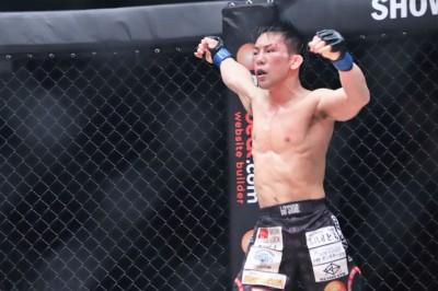 【ONE85】試合結果 猿田洋祐、ストロー級の頂点に。安藤は競り勝ち、朴は一本負け