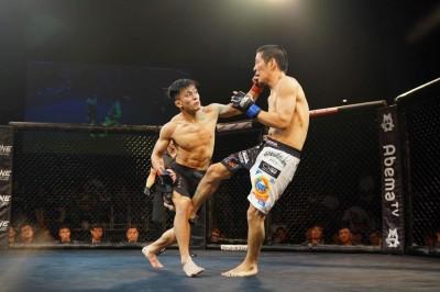 【ONE JS01】3Rの激闘、野瀬翔平が高城光弘にスプリット判定勝ち