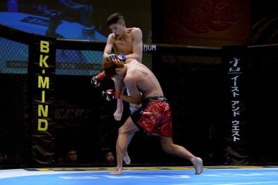 【DEEP92】これが米山千隼だ。ヒザで石司を破り、「UFCに行くまで負けない。強い相手とやりたい」
