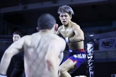 【NEXUS18】高橋の距離になるかと思われた矢先、遠藤来生が右を打ち込みTKO