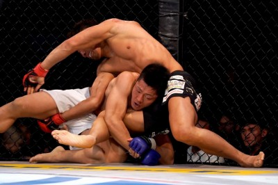 【Pancrase310】スクランブル戦を制した松岡が、岸本を3-0の判定で破る