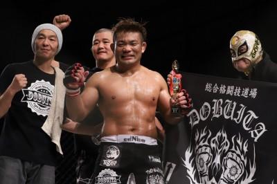 【Grachan42 X Gladiator011】押して、押して、抑えて、殴る。長岡弘樹、チョープに根性勝利