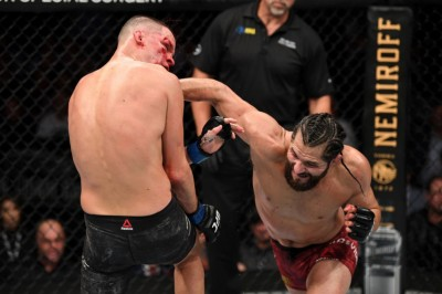 【UFC244】試合結果 マスヴィダルがネイト越えを達成し、BMFのベルトを手にする