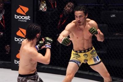 【Bellator237】右フック→蹴球蹴り、敗色濃厚の矢地が上迫から逆転KO勝ち