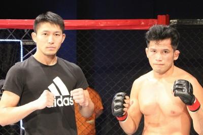 【PFC23】腕ひしぎ腕固めで一本勝ちの田中智也と腕十字でTKO勝ちのザ・タイガー石井がフライ級王座決定戦
