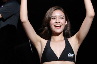 【The Fight Must Go On】All Time Monday Ring Girl Top 5→第1位 たった1度のONE台湾大会 Emily Chu嬢