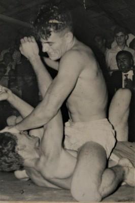 1955年のグレイシーとの対抗戦に出場し、ペドロ・ヴァレンチと引き分けたとされるアデウバウ・バチスタ。バーリトゥードでも活躍したファダの高弟