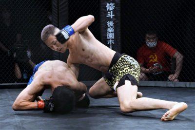 【TTFC08】スソン、テイクダウンを切ってパウンド、足を取りに来る真人ガーZに右を入れて秒殺KO