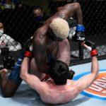 【UFC ESPN15】ほぼKO負けのピンチを耐えた代役ジョーンズが、右フックでワリエフを大逆転KO