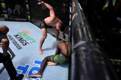 【UFN173】リーチの差も何のその。ヴィセンチ・ルケ、蹴って、殴り、冷静にブラウンをパウンドアウト