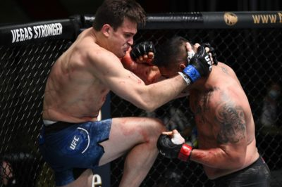 【UFC ESPN15】ビバリーヒルズ・ニンジャ、後ろ回し蹴り&首相撲からヒザで91秒でTKO勝ち