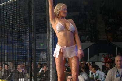 【Monday Ring Girl】Cage Warriors 12「Strike Force 1」