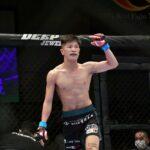 【DEEP102】テイクダウンからポジション奪取の雅駿介、RYUKIのリバーサル&パウンドにTKO負け