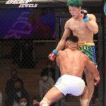 【DEEP104】ギロチンを凌ぎ続けた鈴木琢仁が、最終回にカウンターのヒザで北岡悟をマットに沈める
