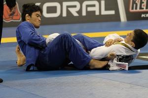 Yoshioka vs Paulo Miyao