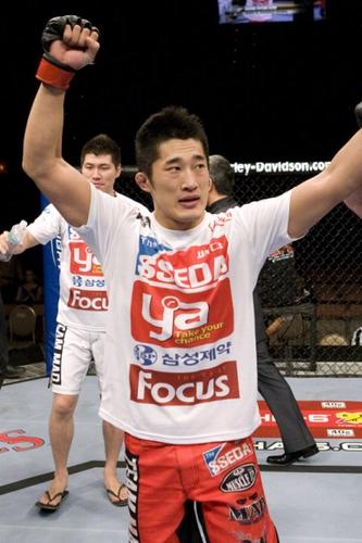 UFC100】ドンヒョン、絶妙バラン...