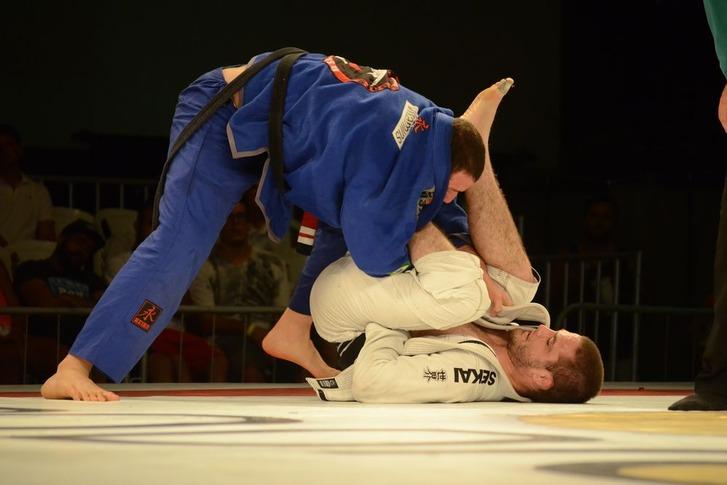 Leo Nogueira vs Travis Stevens