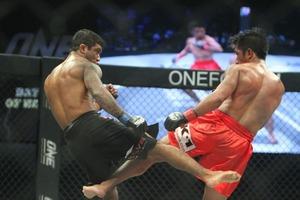 #10 Geje Eustaquio vs Alex Silva
