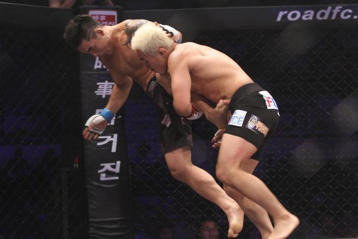 Kil Young Bok vs Kim Wong Gi