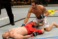 ufc87_08_emerson_vs_gamburyan_002