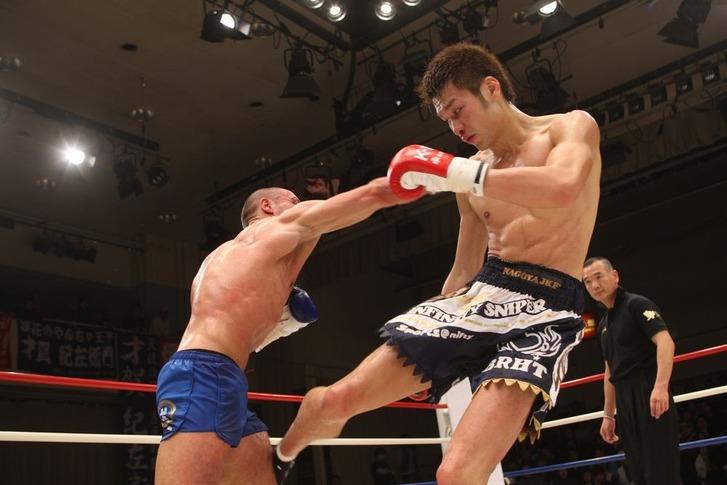 Sato vs Beqiri 01