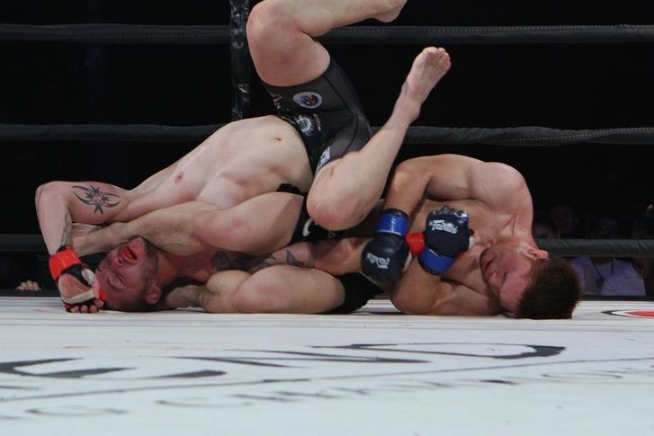 Yusuke Kasuya vs Damien Brown