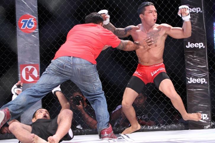 Roman Alvarez vs Jay Taijeron