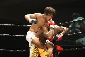Takumi vs Robinson