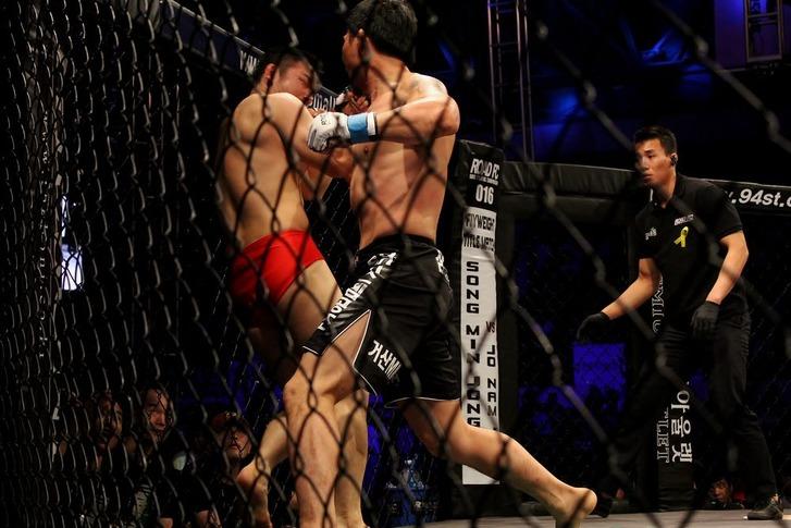 Minowaman vs Park Jung-Gyo